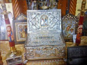 Όπου φυλάσσονται Ιερά Λείψανα Αγίων, υπάρχει ιδιαίτερη Ευλογία του Θεού!