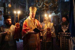 Αγιο Ορος: Τρισαρχιερατική Θεία Λειτουργία στη Μονή Ξενοφώντος (ΦΩΤΟ)