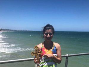 Glenelg- Αυστραλία: 17χρονη ομογενής έπιασε τον Σταυρό