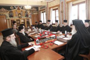 Ραγδαίες εξελίξεις: Mένουν, αλλά «φεύγουν» από το Δημόσιο οι 10.000 Ιερείς