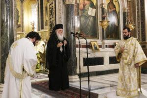 Αρχιεπίσκοπος: «Με πίστη αντιμετωπίζονται οι δυσκολίες» (ΦΩΤΟ)
