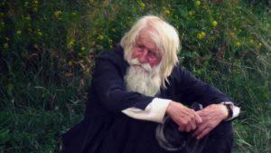 Βουλγαρία: Ο παππούς Ντέμπρι που έγινε «ζητιάνος για τον Χριστό» (ΒΙΝΤΕΟ & ΦΩΤΟ)