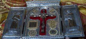 Αίμα Χριστού στην Ιερά Μονή Χιλανδαρίου Αγίου Όρους (ΒΙΝΤΕΟ & ΦΩΤΟ)