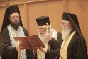 Αρχιεπίσκοπος: «Να συνεχιστεί ο διάλογος» – Αιχμές προς Ιεράρχες