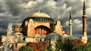 Σαν σήμερα: Θυρανοίξια της Αγίας Σοφίας Κωνσταντινουπόλεως