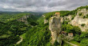 Γεωργία: Ένα μοναδικό μοναστήρι στη ρίζα του βράχου