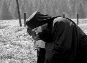 Άγιος Ισαάκ ο Σύρος: Μακρυά από αυτούς που κατηγορούν και κατακρινουν!