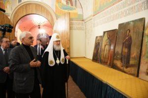 Ο Μόσχας Κύριλλος παρέλαβε εικόνες του 19ου αι.
