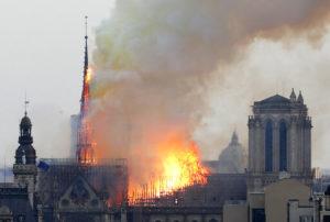 Τσίπρας για Παναγία των Παρισίων: «Η καταστροφή μάς θλίβει»