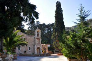 Κρήτη: Γλίτωσε από τις φλόγες η Ιερά Μονή Σαββαθιανών