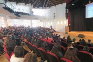Μαθητές Γυμνασίου στην έδρα της Ι.Μ. Φθιώτιδος (ΦΩΤΟ)