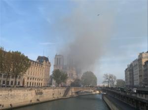 ΕΚΤΑΚΤΟ-Φλέγεται η Παναγία των Παρισίων -Συναγερμός στη Γαλλία