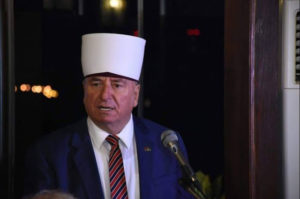 «Αγριος ο λαός των Σκοπίων», λέει ο ηγέτης των μουσουλμάνων