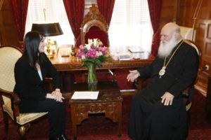 Η Ελενα Κουντουρά στον Αρχιεπίσκοπο Ιερώνυμο (ΦΩΤΟ)