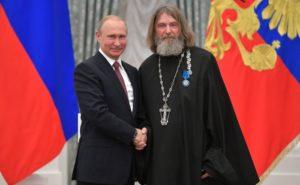 Ρώσος Ιερέας κατέρριψε ένα σπουδαίο ρεκόρ – Τα συγχαρητήρια του Πούτιν