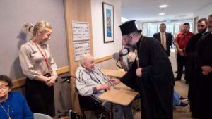 Ο Αυστραλίας Μακάριος σε κέντρο φροντίδας ηλικιωμένων (ΦΩΤΟ)