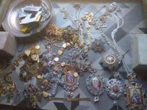 Αγιο Ορος: Τα τάματα που έκλεψε ο Ρουμάνος ιερόσυλος (ΦΩΤΟ)