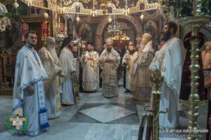 ΒΟΥΛΓΑΡΙΑ: Την Παναγία Τριχερούσα τίμησαν στη Μονή Τρογιάν (ΦΩΤΟ)