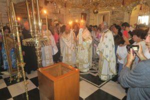Πλήθος κόσμου στην πανήγυρη της Αγίας Μαρίνας στην Ανδρο (ΦΩΤΟ)
