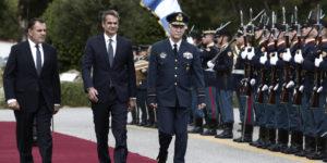 ΥΠΕΘΑ: Με γεμάτα χέρια έφυγε ο Πρωθυπουργός -Τι είπε με τους Στρατηγούς