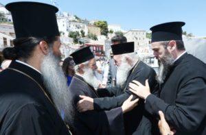 Θερμή υποδοχή του Αρχιεπισκόπου στην Υδρα (ΦΩΤΟ)