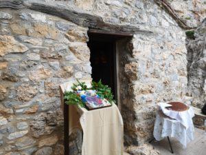 Θεία Λειτουργία στην Κρυφή Παναγιά