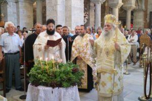Η Ύψωσις του Τιμίου Σταυρού στην Παναγία Εκατονταπυλιανή