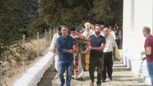 Στην ορεινή Ανδρο ο Μητροπολίτης Δωρόθεος (ΦΩΤΟ)