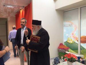 Ο δήμαρχος Θεσσαλονίκης στο Κοινωνικό Πολυϊατρείο της Ι.Μ. Νεαπόλως (ΦΩΤΟ)