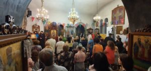 Λυκαβηττός: Η Άγιοι Ισίδωροι πανηγυρίζουν την Ύψωση του Τιμίου Σταύρου