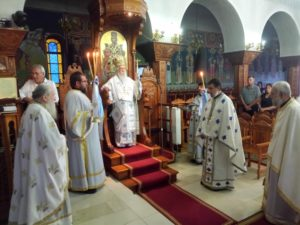 Η εορτή της Υψώσεως του Τιμίου Σταυρού στην Παραμυθιά προεξάρχοντος του μητροπολίτη Τίτου