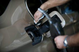 Ανησυχία και στην Ελλάδα για αύξηση των τιμών πετρελαίου και βενζίνης