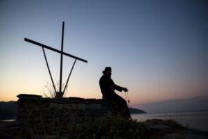 Γέροντας Αυξέντιος: Η Προσευχή που λιώνει τους πάγους της αμαρτίας