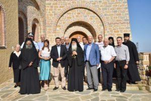 Ο Απόστολος Τζιτζικώστας στο Ιερό Κοινόβιο Οσίου Νικοδήμου του Αγιορείτου (ΦΩΤΟ)