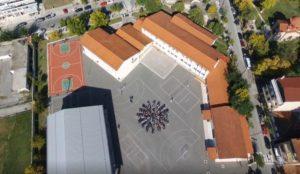 Γρεβενά: Μαθητές σχημάτισαν τον Ηλιο της Μακεδονίας (ΒΙΝΤΕΟ)
