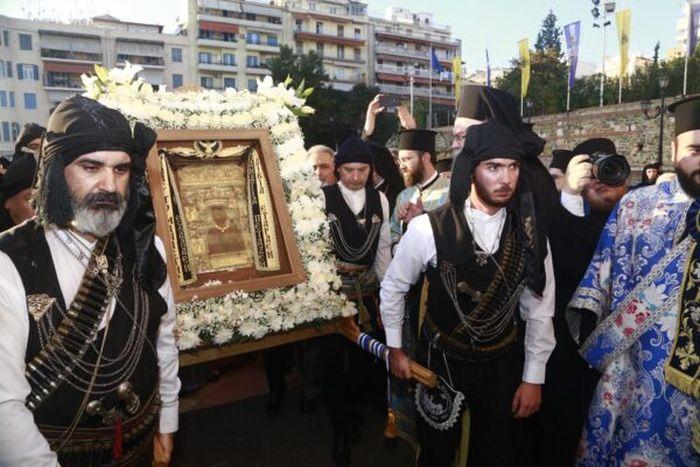 Αποτέλεσμα εικόνας για Η Θεσσαλονίκη υποδέχτηκε την θαυματουργή εικόνα της Παναγία Σουμελά