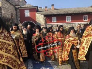 Ιστορική επίσκεψη του Οικουμενικού Πατριάρχη στο Βατοπαίδι LIVE – Υποδοχή με δάφνες – Λαμπρό καλωσόρισμα από τον γέροντα Εφραίμ
