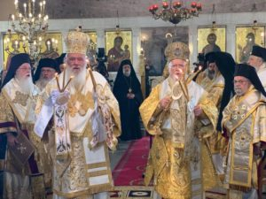 Ιστορικές στιγμές στη Θεσσαλονίκη: Ο Πατριάρχης Βαρθολομαίος μνημόνευσε τον Επιφάνιο στο συλλείτουργο με τον Ιερώνυμο