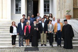 Ο Οικουμενικός Πατριάρχης με 25 Προξένους στη Θεολογική Σχολή της Χάλκης