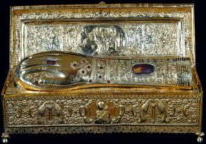 Πειραιάς: Στις 14 /11 υποδέχεται ιερό λείψανο της χειρός του Αγίου Γεωργίου