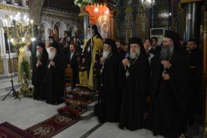 Ιεράρχες και λαός συρρέουν στην μητρόπολη Μεσσηνίας για τις ευχές στον Χρυσόστομο