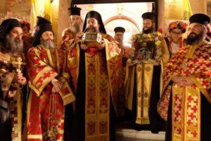 ΘΕΣΣΑΛΟΝΙΚΗ : Λιτανεία με την Τιμία Κάρα του Αγ. Ιωάννου του Χρυσοστόμου