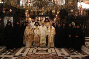 Συλλείτουργο του Μητροπολίτου Φωκίδος με Ουκρανούς Αρχιερείς – Το μήνυμα στους Ρώσους (ΦΩΤΟ)