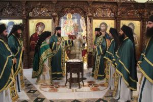 O Ναυπάκτου Ιερόθεος στο μοναστήρι του Αγίου Νεκταρίου στο Τρίκορφο Δωρίδος