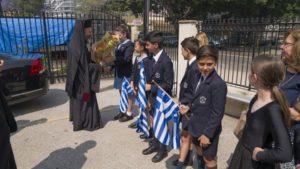 Με μαντινάδες υποδέχτηκαν τον Αρχιεπίσκοπο Μακάριο μαθητές του Κολλεγίου της Αγίας Ευφημίας
