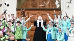 Μόσχας Κύριλλος: Οι γονείς να μην αργήσουν την «θρησκευτική εκπαίδευση» των παιδιών