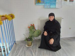 Σίκινος: Η μοναχή Δωροθέα κοντά στα παιδιά