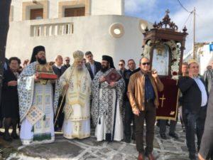 ΝΑΞΟΣ : Λιτάνευση της Εικόνας του Αγίου Ελευθερίου  στο ιστορικό μοναστήρι του