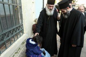Ο Αρχιεπίσκοπος στα συσσίτια της Αρχιεπισκοπής (ΦΩΤΟ)