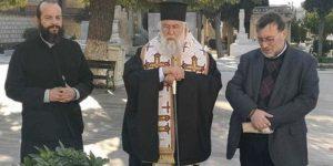 Τρισάγιο στο τάφο του Αρχιεπισκόπου Χριστόδουλου από τον Κερκύρας Νεκτάριο